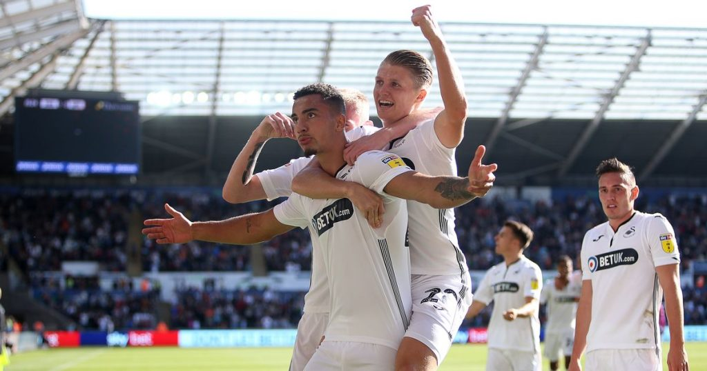 Courtney Baker-Richardson scores his first senior Swansea goal