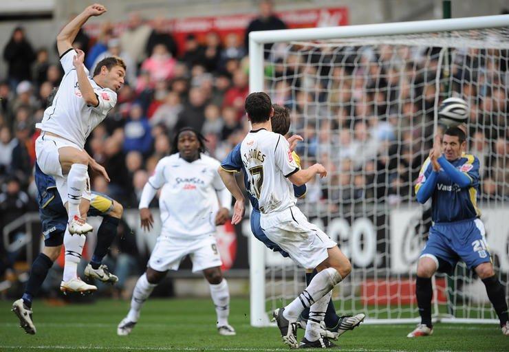 Gorka Pintado scoring against Cardiff